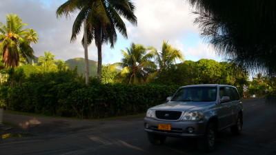 Carreteritas de Rarotonga, la isla principal a pesar de sus apenas 26 km de circunferencia.