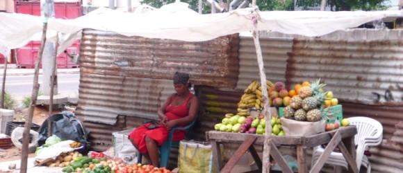 Puesto ambulante en el barrio de Mafalala, Maputo.