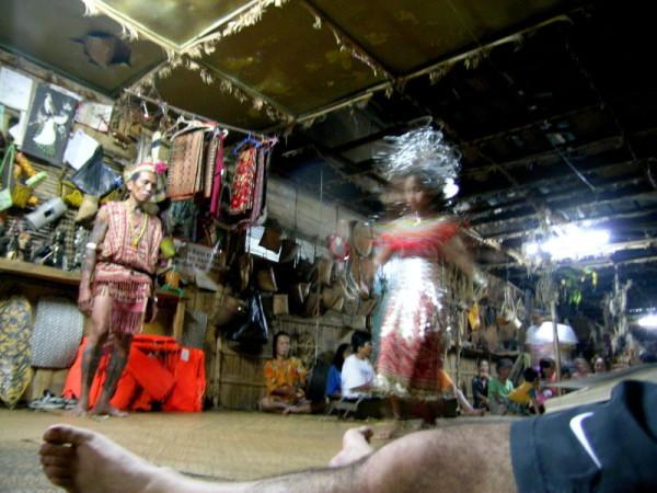 Fiesta en una aldea Iban