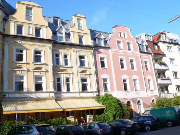 Las fachadas, como las calles, suelen estar impecables.