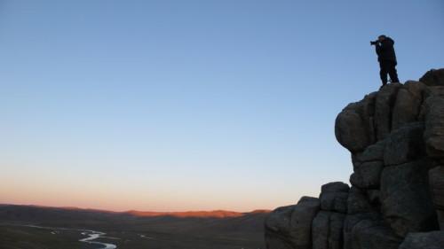 Atardecer sobre el Valle de Orkhon, el territorio donde mejor han pervivido las costumbres nómadas. De una belleza descarnada y poderosa. Patrimonio de la Humanidad.